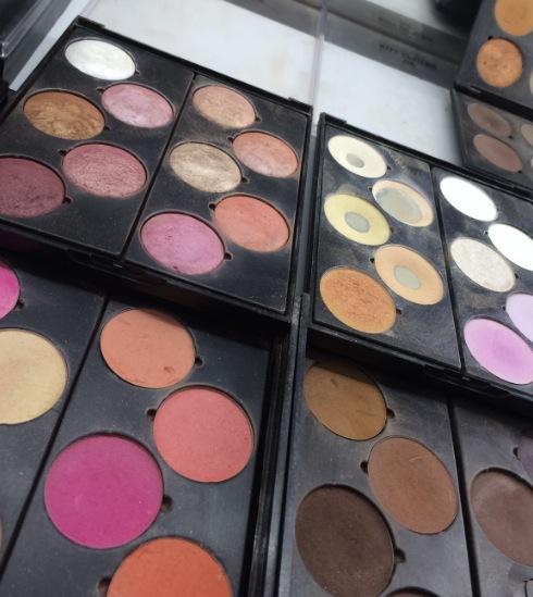 Hollländska  märket Make up Studio är Carinas favoritsmink.