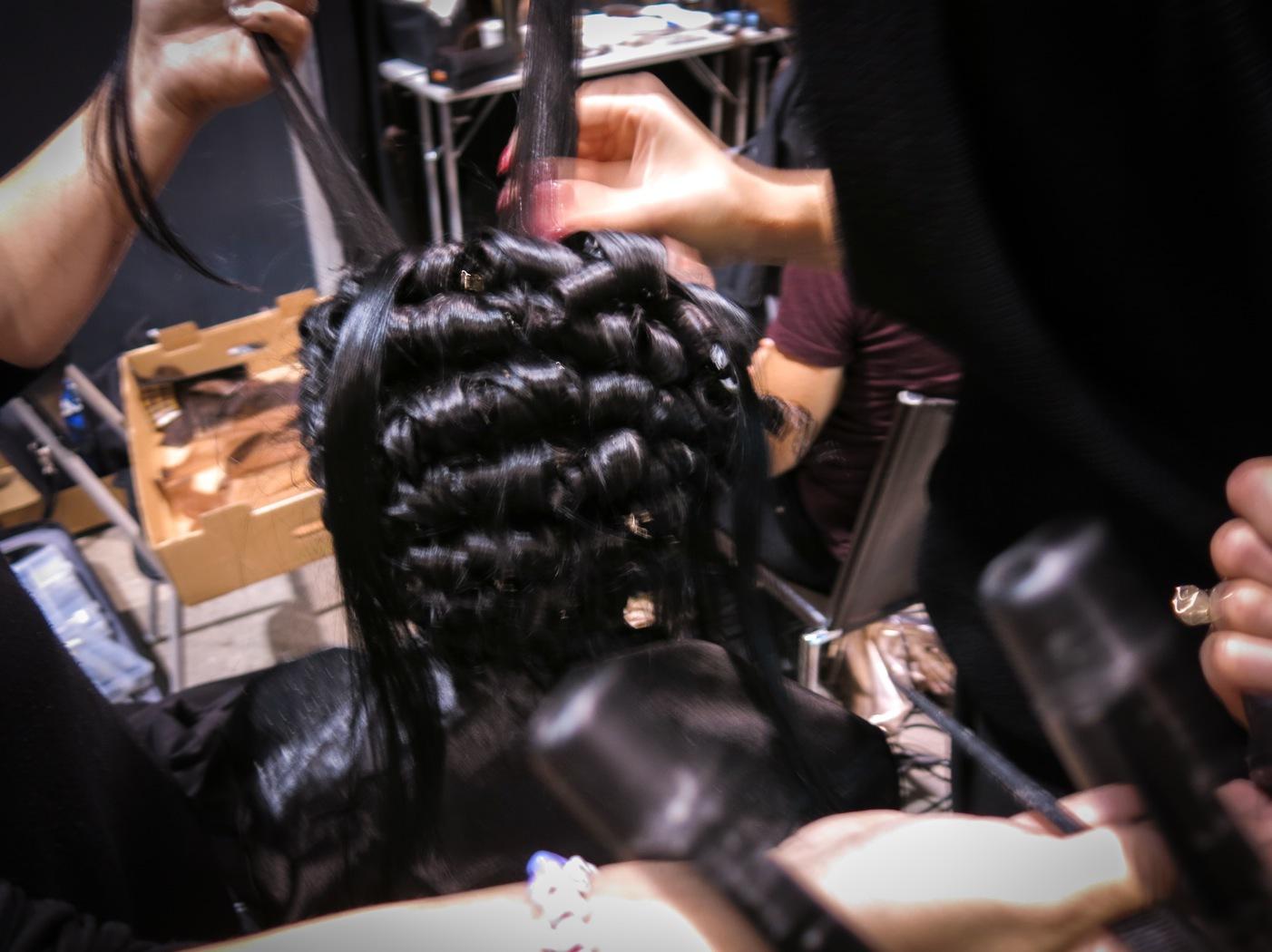Benjamin Martin creativ director på Sebastian jobbade mycket med flytande vaxer på sina hårmodeller