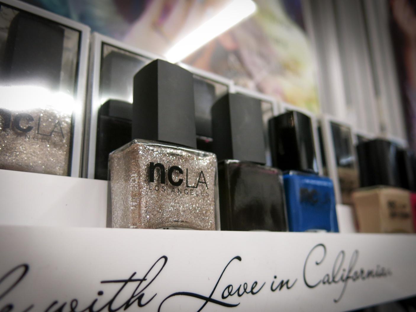 NCLA visade upp sina höstfärger. Den här silverfärgade metalliclacken så man på flera av fartygets tjejer under discokulan senare på kvällen. 5-free förstås