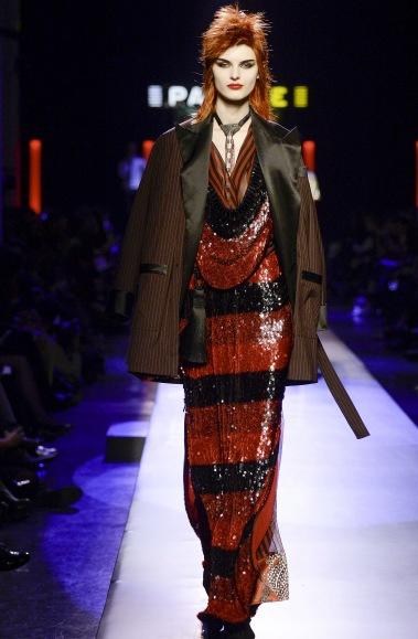Jean Paul Gaultier visade upp en Ziggy inspirerad 70-tals look i sin senaste parisvisning inför hösten 2016