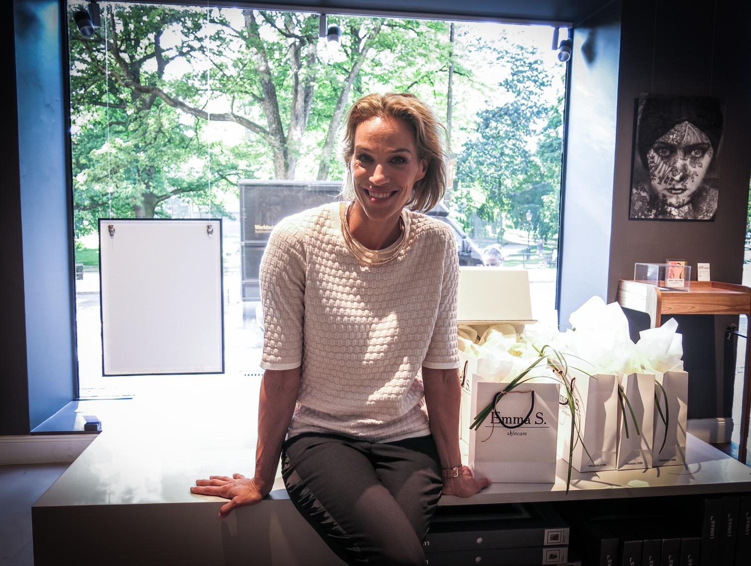"""Emma Wiklund lanserar sin andra doft i juli. Unisexdoften """"Barrow Street"""". En grön kaskad med hyllning till The Big Apple"""