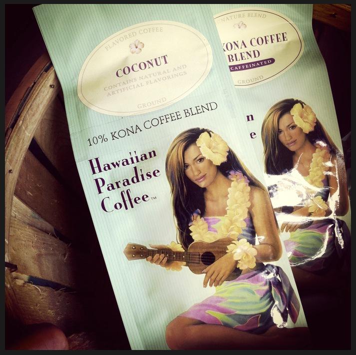 Kaffe från Hawaii i påsar av blekta pasteller. Nostalgi