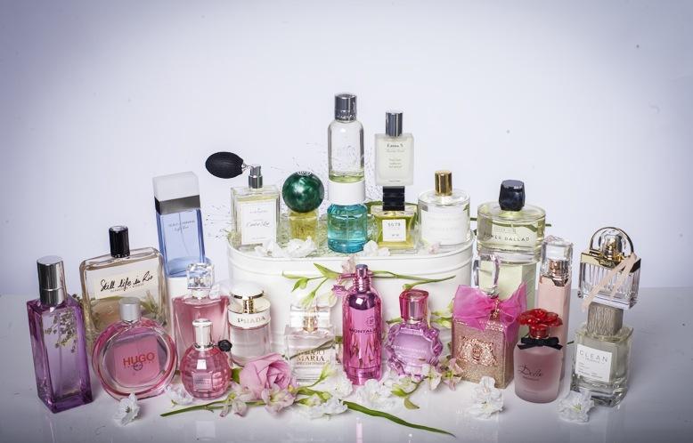 Söndagsredaktionen valde ut en härlig bukett av sina favoriter bland sommarens parfymnyheter