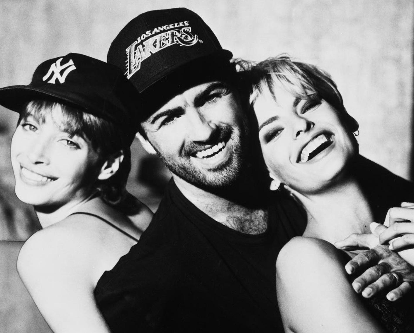 George Michael dog på julaftonsdagen av hjärtsvikt, 53 år gammmal.Bild från Harpers Bazaar