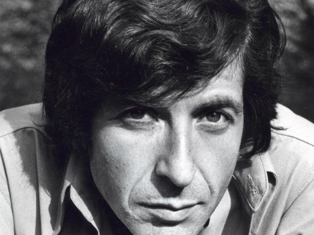 """Hatten av för melankolins mästare Leonard Cohen som debuterad med låten """"So long, Marianne"""" 1979. Norskan Marianne Ihlen som han tillägnat låten dog också i år, 81 år gammal.."""