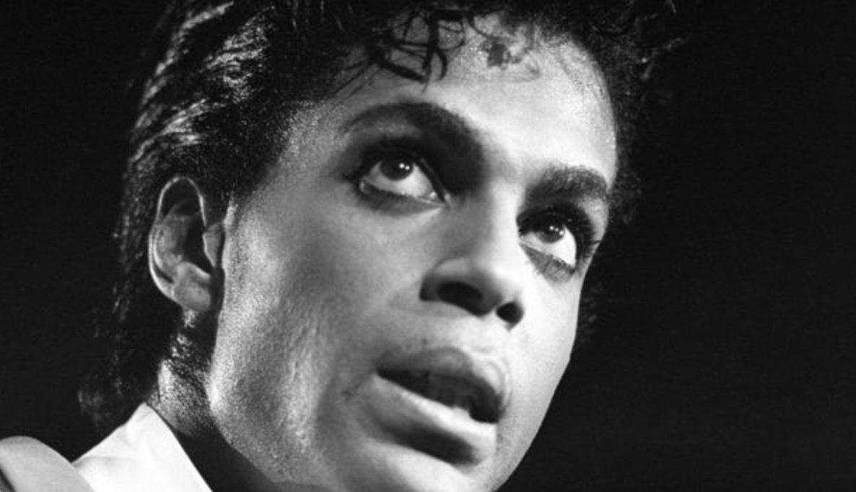 Prince dog av en överdos i sin studio i Minnesota