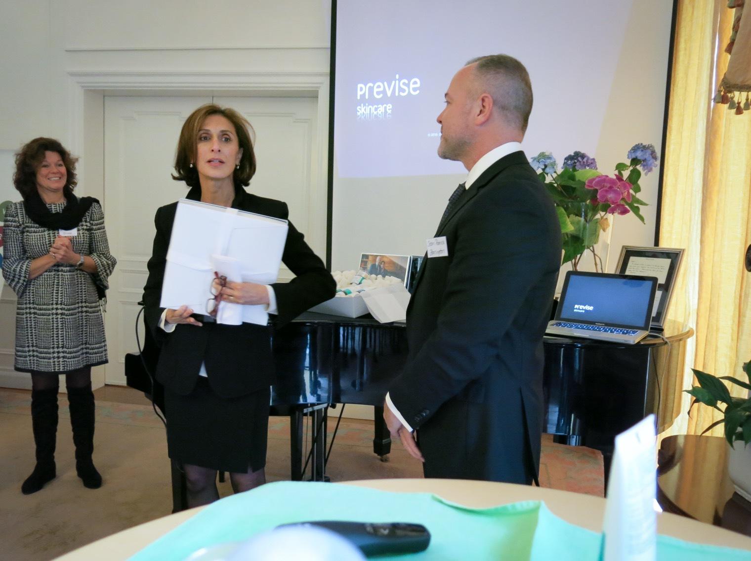 Azita Raji, usas första kvinnliga ambassadör i Sverige, välkomnade Previse i sitt residens på Djurgården