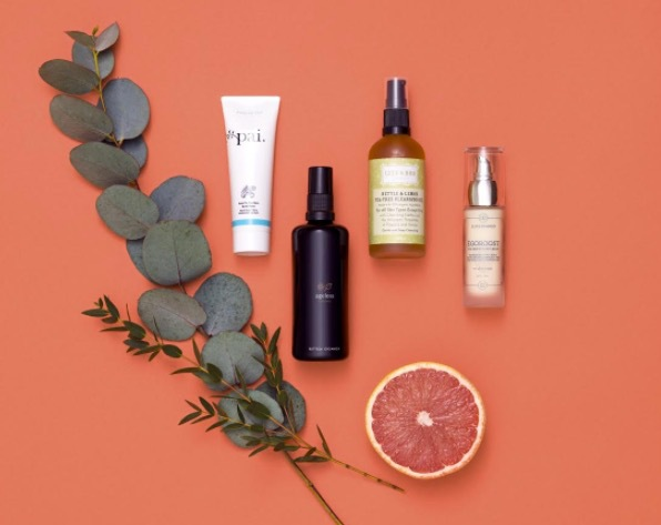 Under your skin är ekoshopen för dig som vill välja bort specifika kemikalier ur din dagliga hudvårdsrutin