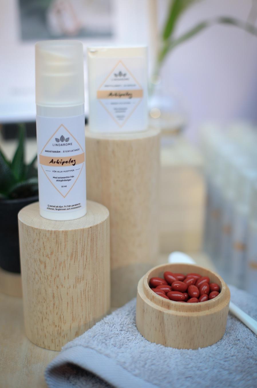 Svesnak Lindarome har tagit fram en nu cuoprodukt. Hudkräm och kosttillskot med astaxantin som ska stärka huden och verka inflammationshämmande. Perfekt till sommarens eskapader!