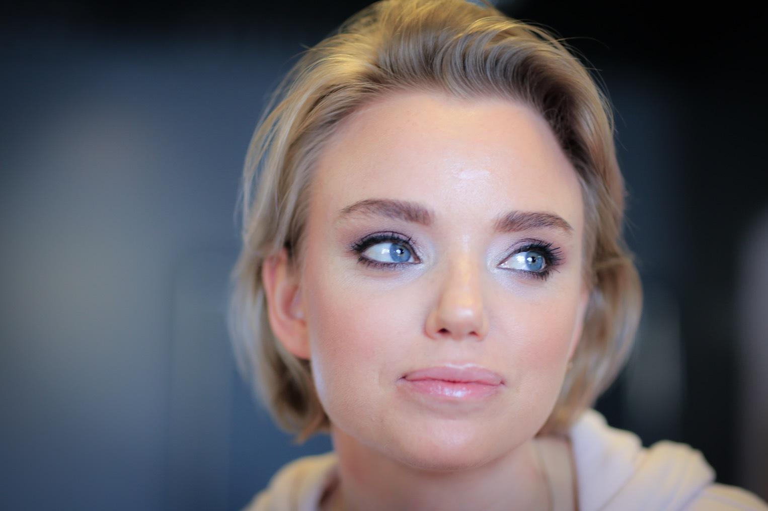 Makeupartisten Sarah Grundén blev fint sminkad av Fanny Lagerwall med Lumenes nya paletter. Sarah ser ut som en filmstjärna tycker jag. Jättefint!