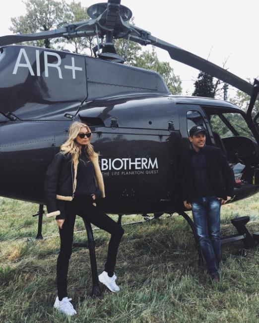 Elsa Hosk fick åka helikopter till pyreneerna där allting startade för Biotherm