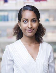 Winta Woldai är Apoteke AB:s toxikolog och kan allt om ingredienserna som finns i Apotekets produkter. Foto: Apoteket