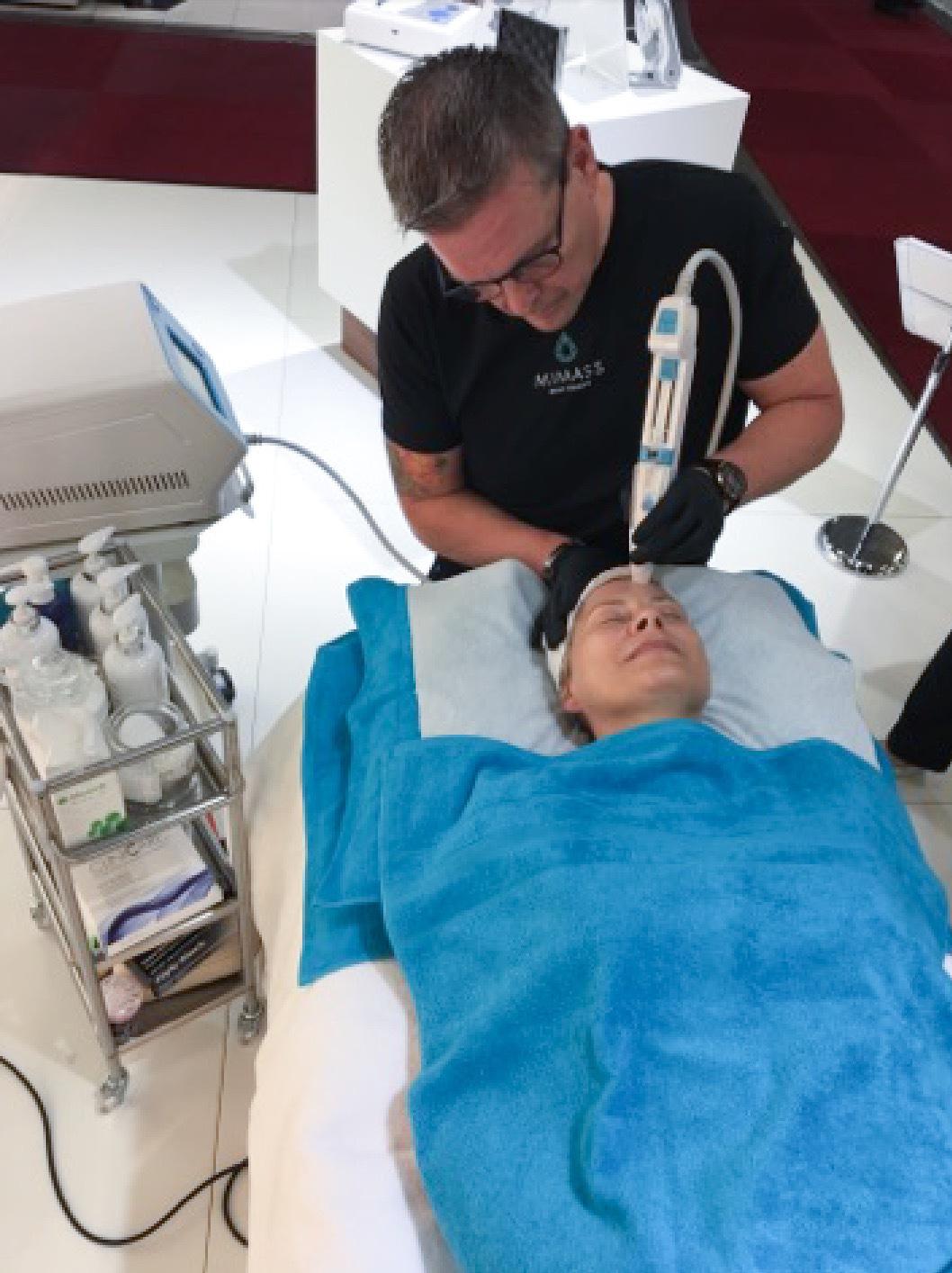 I Mimas monter fick jag en behandling av Håkan Wahlström och deras nya högtrycksmaskin Infusion System