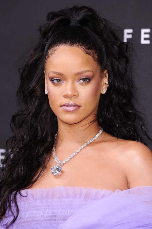 Rihanna valde att lansera sina produkter i samband med London Fashionweek i veckan