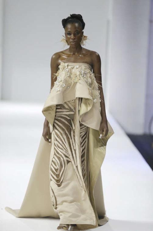 Vackert skräddad sidenklänning från Weizdhurm Franklyn