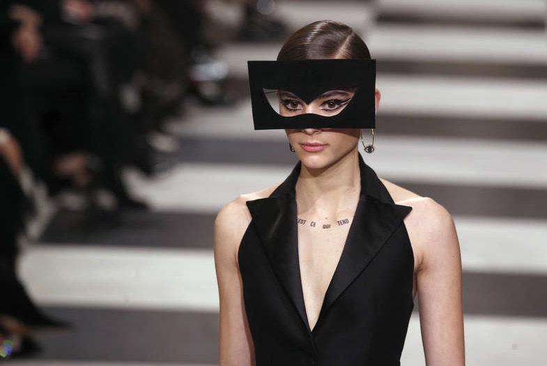 Christian Dior fokuserade också på en ögonhatt. Foto: TT