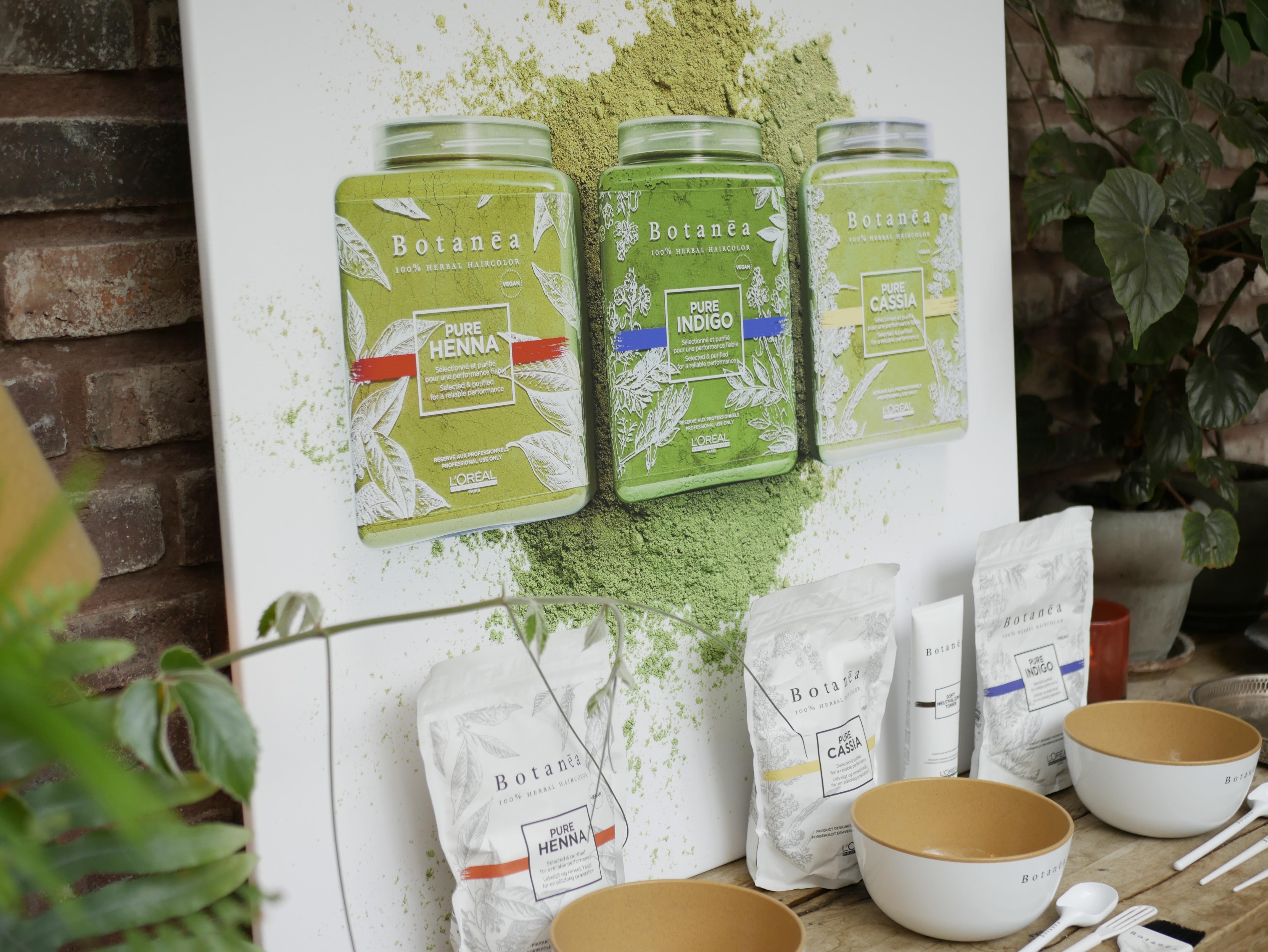 """Botanea heter L""""Oreals nya örtbaserade hårfärgningsteknik som är enfasbaserad, vegansk och ekologiskt framtagen"""