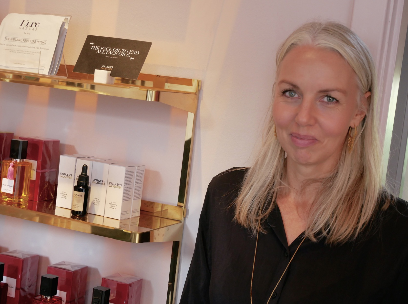 Danska ELLE:s skönhetsredaktöre Charlotte Torpegaard har samlat sina favoriter i en egen liten butik.