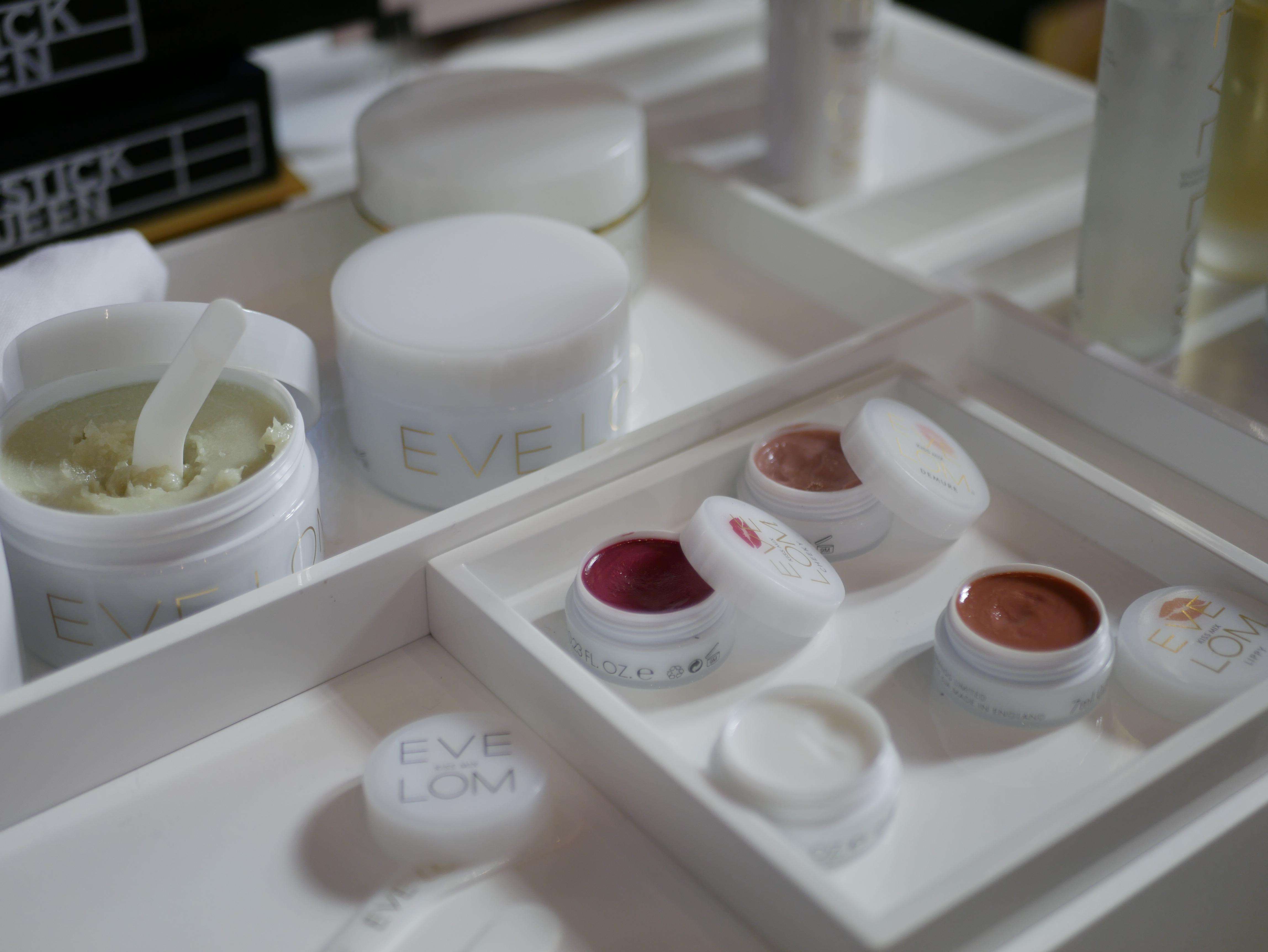 Eve Lom visade upp pigmentstarka multiprodukter i sin monter