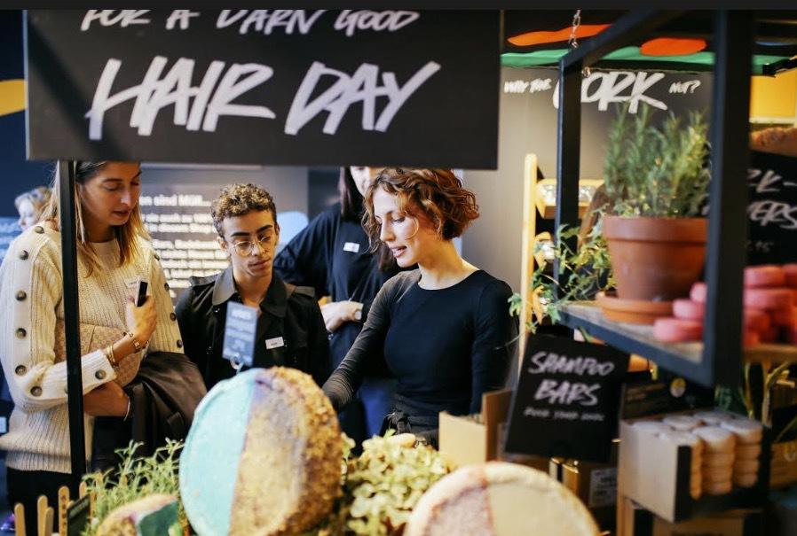 Lush i Berlin har öppnat en butik där man bannlyser förpackningar