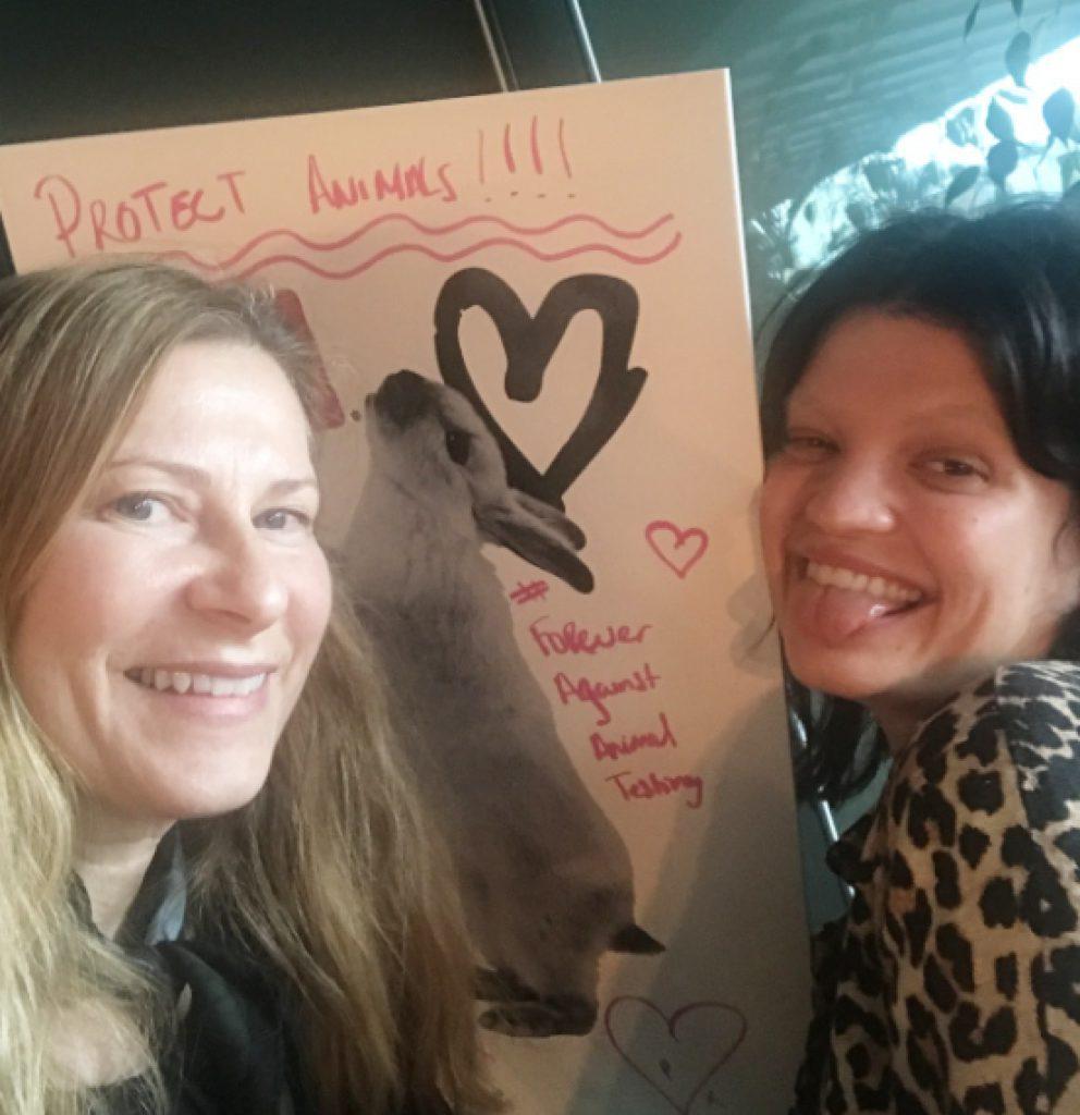 Agneta fick en exklusiv intervju med Pixie Geldof om hennes engagemang i djurrättsfrågor