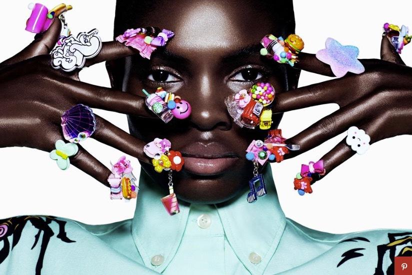 Wei Kawajiri fick ett fria händer av , CR Fashion Book och gick bananas på den nigerianska modellen Ayobami Okekunles naglar inför ett modereportage. Styling: Peghah Maleknejad och foto: Daniel Sannwald