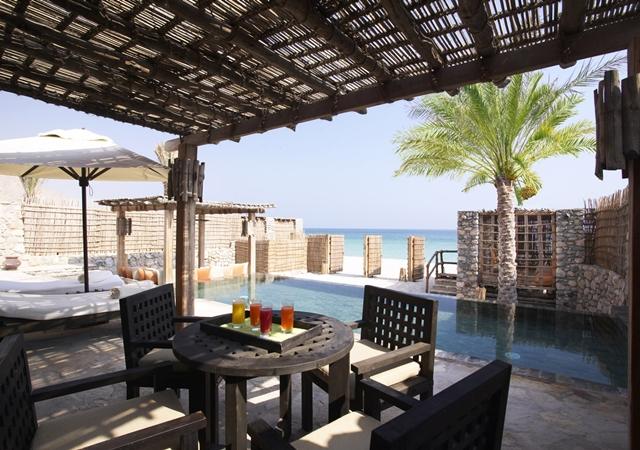 640x450_05_beach_front_pool_villa2 2