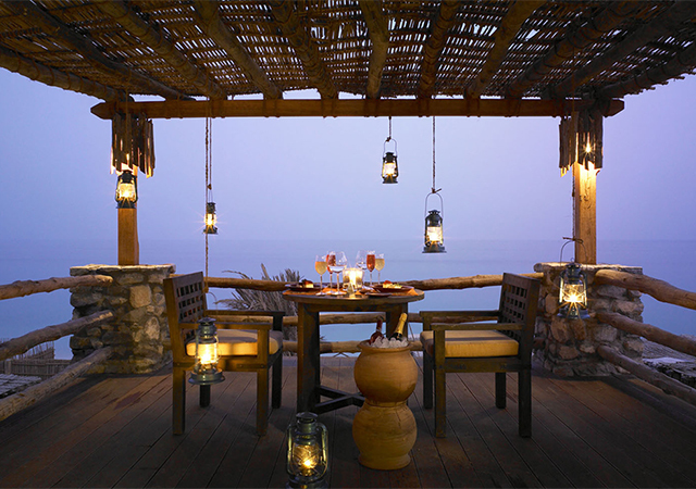 640x450_romantic_dinner_villa_balcony1_h