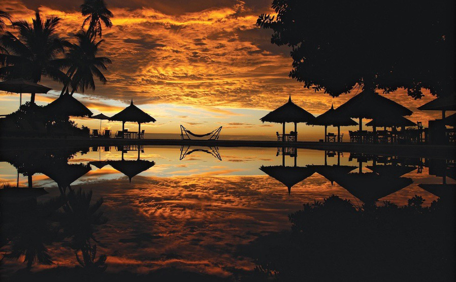 piclarge63728sunset across pool_1 (MLP