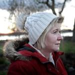 Annika Kask, 54, är en av byborna som skrev på en protestlista mot flyktingförläggningen. Nu har hon ändrat sig. Foto: Stefan Mattsson.