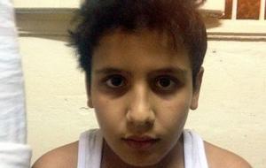 13-årige Ibrahim satt häktad i Alexandria, efter att hans mamma dött då egyptisk gränspolis sköt mot båten de flydde i. Foto: Cecilia Uddém/Sveriges Radio