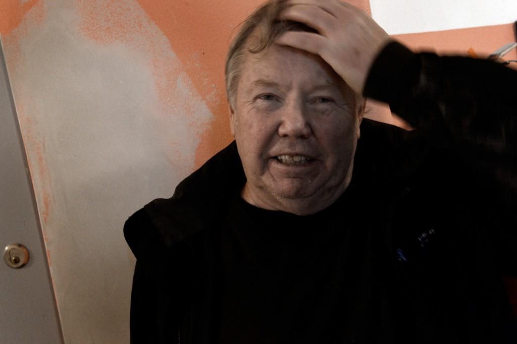 """Bert Karlsson säger sig inte ha ändrat åsikt sedan tiden med Ny Demokrati. Samtidigt säger han sig vilja skapa Sveriges bästa boenden för asylsökande. """"Det finns så mycket skit i den här branschen"""", säger han. Foto: Aftonbladet."""