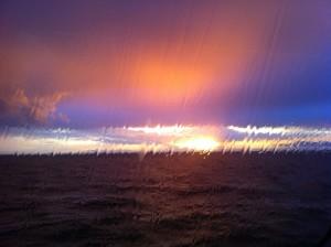 En bit hav utanför färjefönstret.