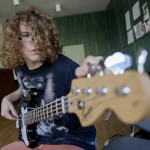 """Bálint har musik som profilämne på sin gymnasieutbildning, men ser ingen framtid i Ungern som musiker. """"Det är ingen bra atmosfär för att jobba med kultur här""""."""