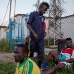 """Alseny Camara är vänsterytter i Liberi Nantes men drömmer om att få provspela för en klubb i en högre division och kanske bli fotbollsproffs. """"Men jag får inte det utan uppehållstillstånd, jag måste ha mina papper först""""."""