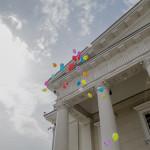 Strax bredvid presidentbostaden i centrala Vilnius släpper LGL-gänget ut färgglada ballonger. Det är få politiker i Litauen som öppet stöder hbtq-kampen.