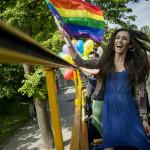"""""""Jag tror att jag är lite skyddad av att jag är känd i Litauen, även om jag också upplevt diskriminering. Många unga transpersoner hör av sig till mig och berättar hur de blir misshandlade på grund av sin identitet"""", säger Agness Landau."""