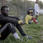 """""""Vi gör inga anspråk på att reda ut deras livssituation, men i fotbollen får de en stunds förströelse och chans att tänka på annat"""", säger Daniela Conti."""