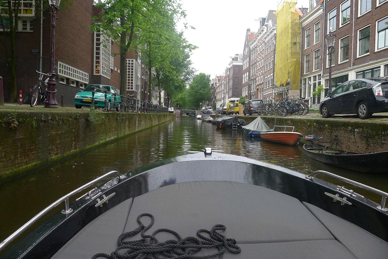 På glid genom Amsterdam.