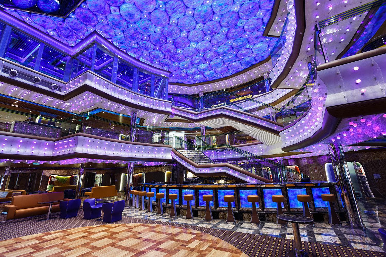 Fartygets atrium.