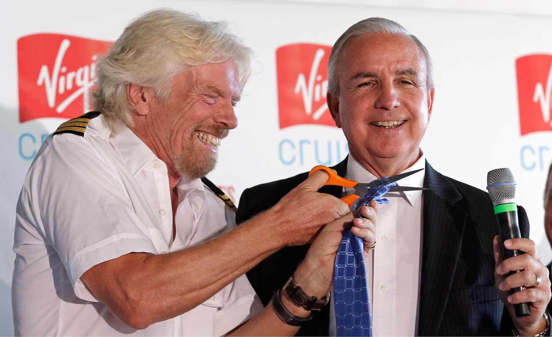 Richard Bransons senaste klipp –slipsen tillhörande Miami-Dade Countys borgmästare Carlos Gimenez. Foto: AP