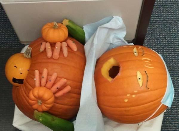 Halloween pumpor som visar att folk har för mycket fritid