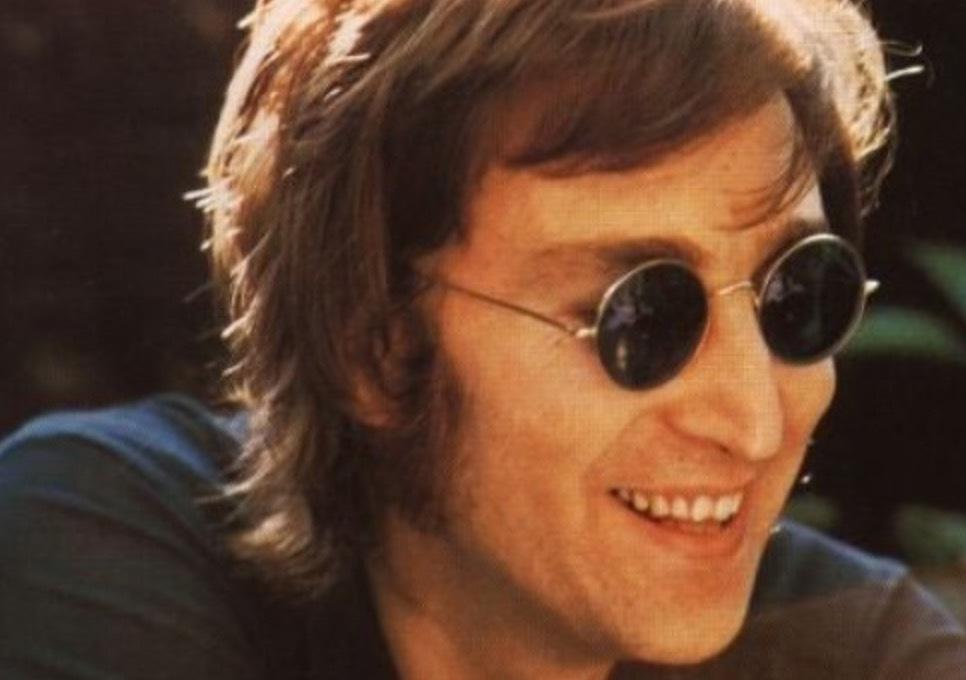 John Lennons ikoniska brillor var också fett inne 817d508f803d6