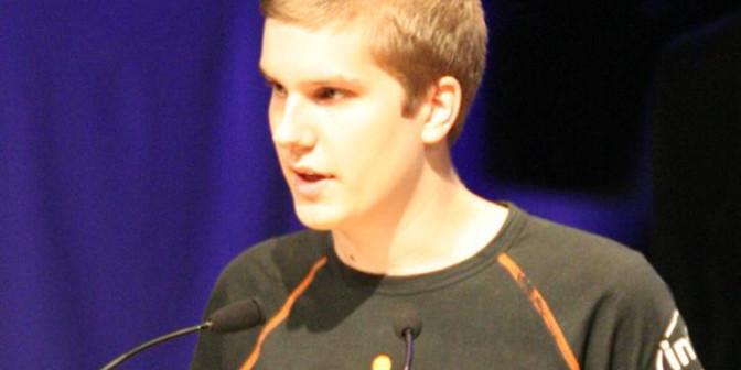 """Patrik """"f0rest"""" Lindberg hade inte lagt till sig med skogshuggarlooken 2008, när han spelade i Fnatic."""