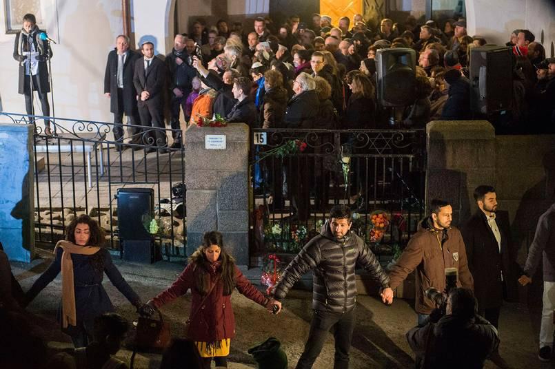 """Siavosh hoppas att """"Fredens ring"""" genomförs i flera andra svenska städer. Foto: TT."""