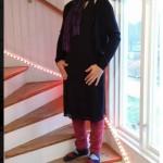 I svart klänning och rosa benvärmare slog Mentor Pasha ett slag för allas rätt att klä sig hur de vill.