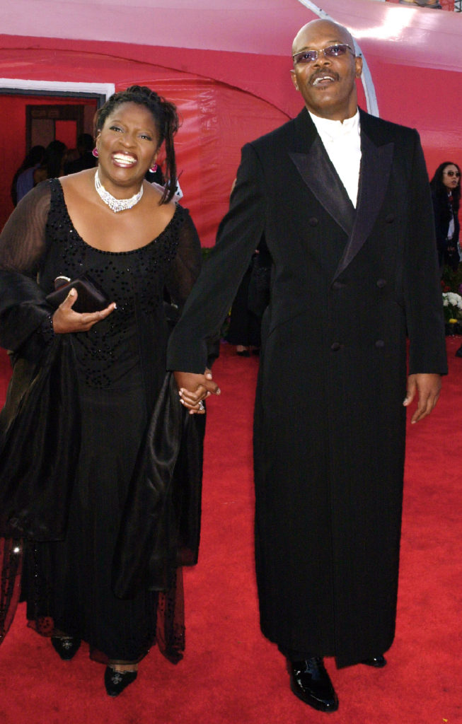 Actor Samuel L. Jackson and his wife LaTanya Richardson arrive for the 73rd annual Academy Awards ceremony Sunday March 25, 2001 in Los Angeles. (AP Photo/Laura Rauch)
