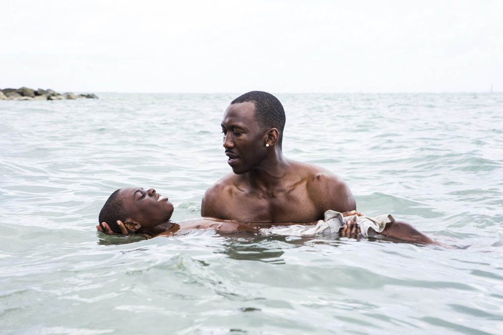 ap foto : david bornfriend : this image released by a24 films shows alex hibbert, left, and mahershala ali in a scene from the film, moonlight. (david bornfriend/a24 via ap) ap provides access to this handout photo to be used solely to illustrate news reporting or commentary on the facts or events depicted in this image. this image may be used only for 14 days from the time of transmission film review moonligh automatarkiverad