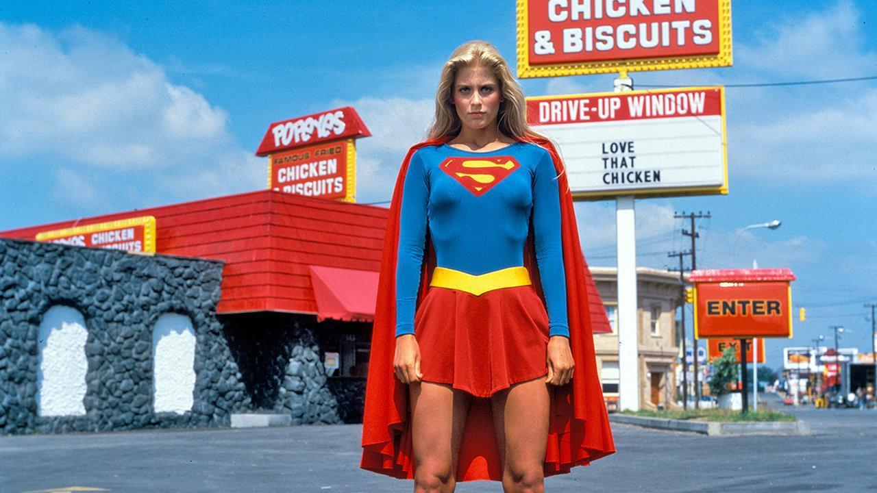 Helen Slater som Supergirl 1984. Foto: Warner