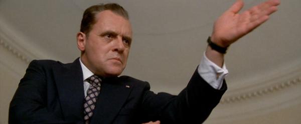 Hopkins som Richard Nixon.